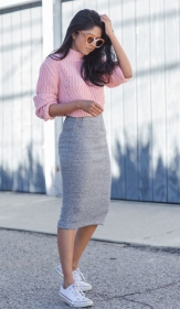 grayl-pencil-skirt-r-pink-light-sweater-sun-howtowear-fashion-style-outfit-spring-summer-knit-white-shoe-sneakers-crop-casual-brun-weekend